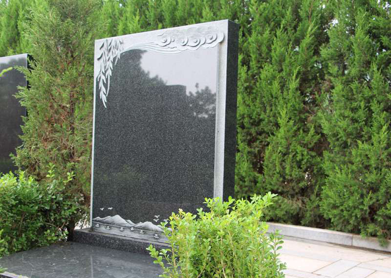 天荷园N区-艺术立碑