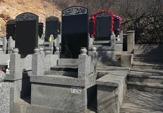 紫荆四区-传统立碑