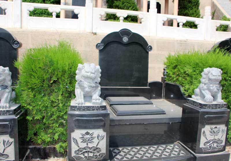 龙圣园-艺术立碑