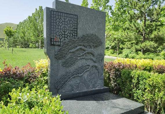 如意园艺术墓自选碑区-艺术立碑